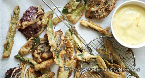 Фритто мисто с чесноком и шафрановым майонезом
